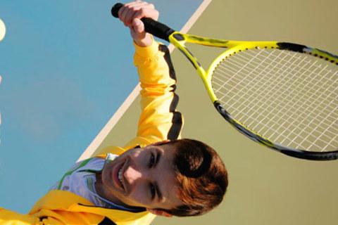 4, 8, 16 или 32 занятия с тренером для взрослых и детей в «Школе тенниса и сквоша». Скидка до 55%