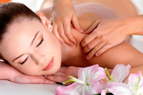 5 или 10 сеансов антицеллюлитного или классического массажа в массажном кабинете Plaisir. Скидка до 75%
