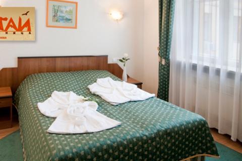 2 дня и 1 ночь для двоих в номерах различных категорий с завтраком в гостинице «Алтай». Скидка 36%