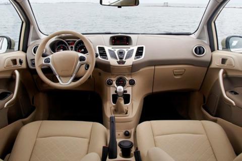 Химчистка потолка, сидений, обшивки дверей, пола и не только в автосервисе AvtoZona со скидкой до 51%