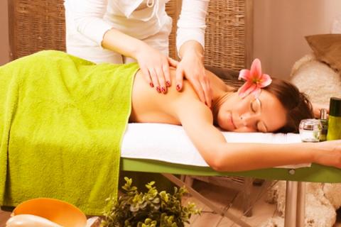 3, 5 или 10 сеансов массажа на выбор или кедровой бочки в «Кабинете профессионального массажа». Скидка до 77%