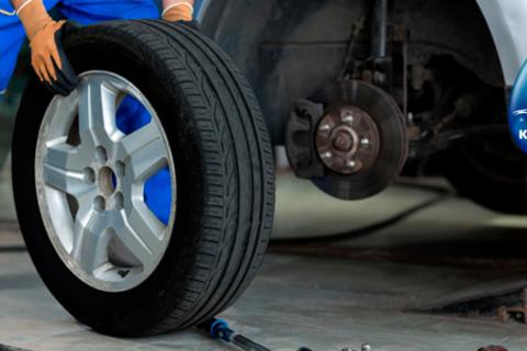 Шиномонтаж и балансировка четырех колес до R18 в автоцентре «Качество №1». Качественная работа, доступные цены! Скидка 59%
