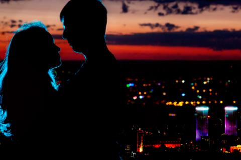 Необычное романтическое свидание на панорамной крыше в исторической части города с видом на весь город и соборы Петербурга от компании «Небанальный Петербург». Скидка 58%