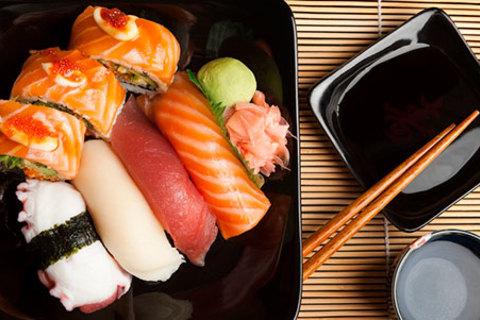 Порадуйте себя вкусной едой! Все меню кухни в ресторане «Золотая подкова» со скидкой 50%