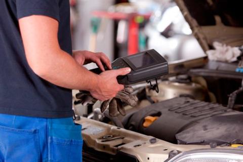 Комплексная диагностика автомобиля, диагностика двигателя, подвески, замена дисковых тормозных колодок, жидкостей, регулировка развала-схождения и другие ремонтные услуги в автосервисе Veles-NN. скидкой до 85%