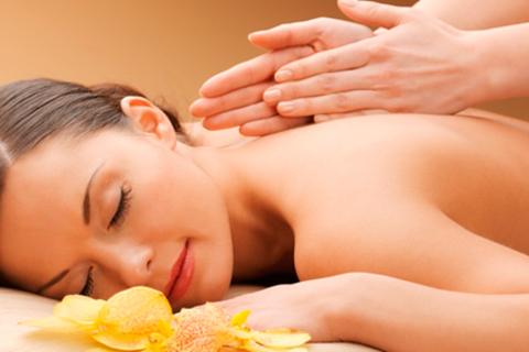 Spa-программы для одного или двоих в салоне красоты и здоровья Healthy Joy: расслабляющий массаж, шоколадное обёртывание, чаепитие и не только! Скидка до 62%