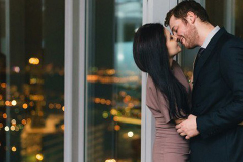 2-часовое романтическое свидание с фотосессией и живой музыкой в элитных апартаментах на 61 этаже башни «Федерация» комплекса «Москва-Сити» или отдых в кальянной City Smoke в «Москва-Сити» на 40 этаже. Скидка до 68% от КупиКупон