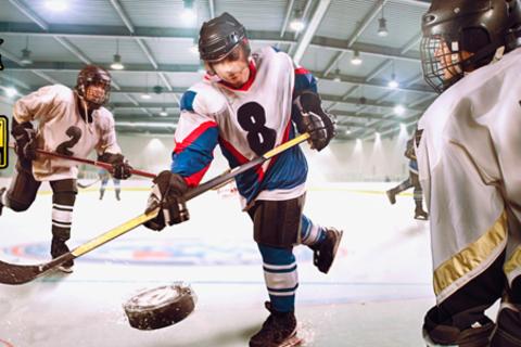 1, 4 или 8 индивидуальных занятий хоккеем для взрослых и детей в школе Hockey Chance. Скидка до 54%